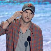 Ashton Kutcher reveals real name and gives great speech at Teen Choice Awards