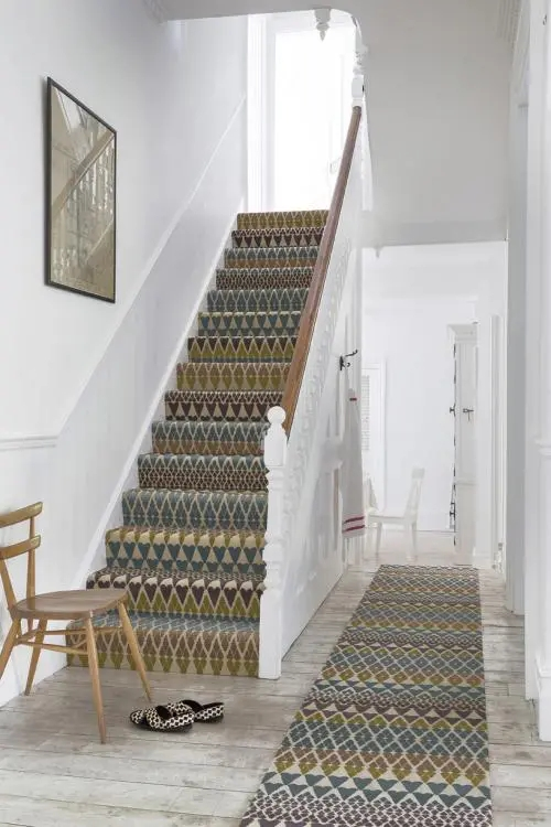 35 Stunning Stair Carpet Runner Ideas For Safety And Beauty | Grey Carpet Stairs And Landing | Teal | Open Plan | Pinterest | Commercial | Wall