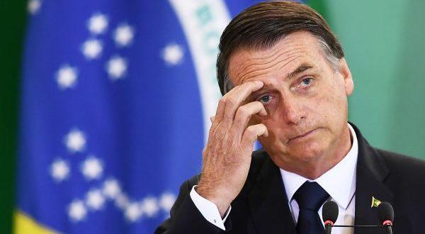 Bolsonaro cogita possibilidade de derramamento de óleo ter sido criminoso