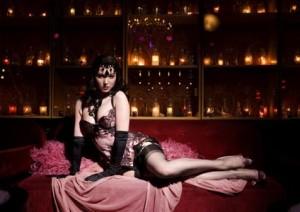 Burlesque Roma 03 Scarlett Diamond