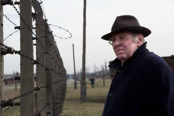 L'attore britannico Tom Wilkinson nei panni dell'avvocato Richard Rampton