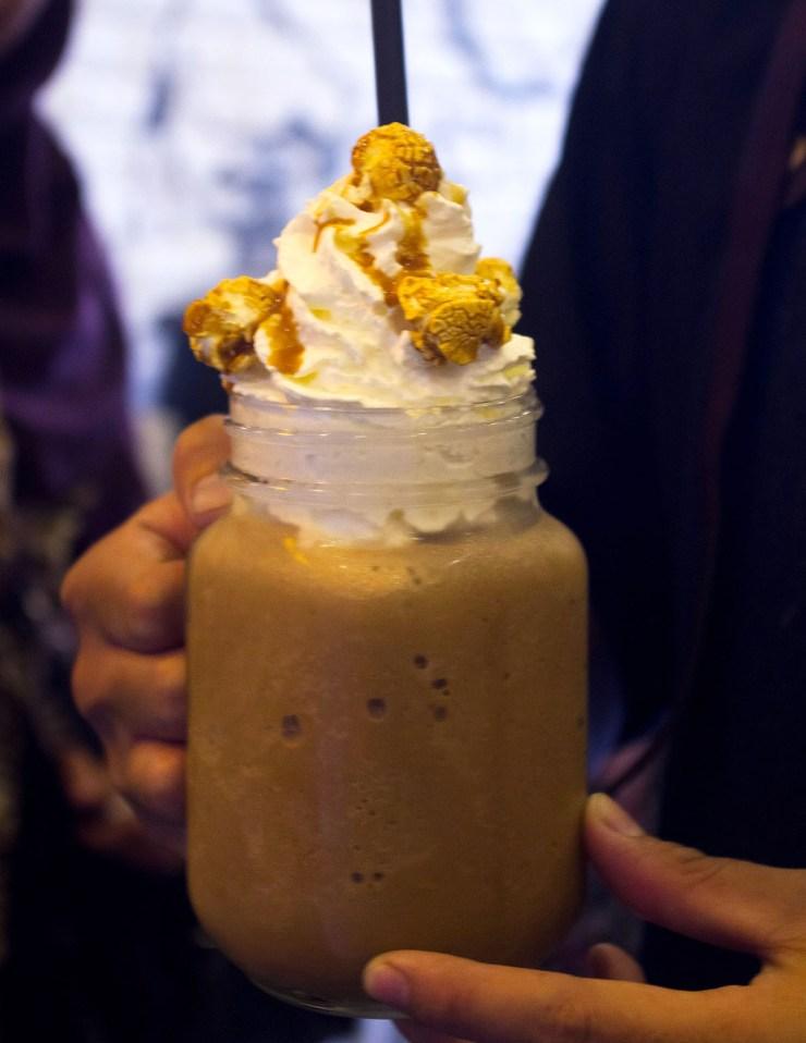 oldtown white coffee de entrance arkadia jakarta