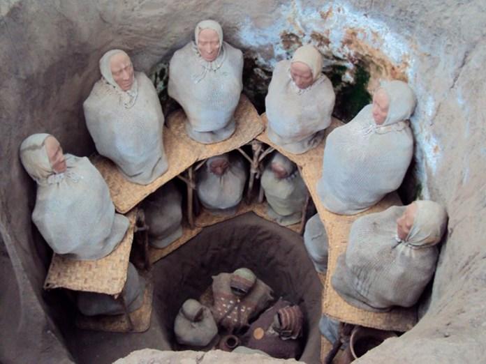 Tumba Quitu-Cara en el Parque Arqueológico Cochasquí