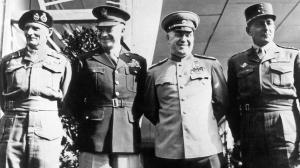 Generalii Montgommery, Einsenhower, Jukov si de Tassigny (de la stanga la dreapta)