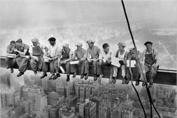 Desayuno en lo alto de un rascacielos
