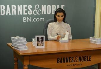 kim-kardashian-book-signing