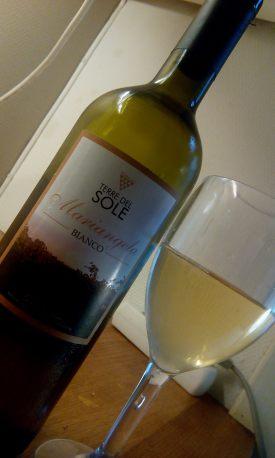 mariangela-terre-del-sole-col-bicchiere