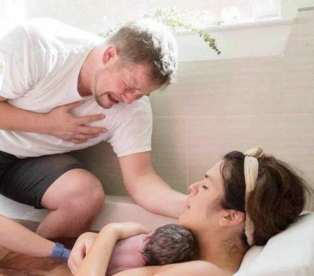 padres partos nacimiento 17