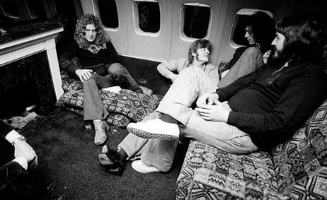 Led Zeppelin private jet2