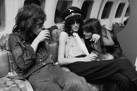 Led Zeppelin private jet7