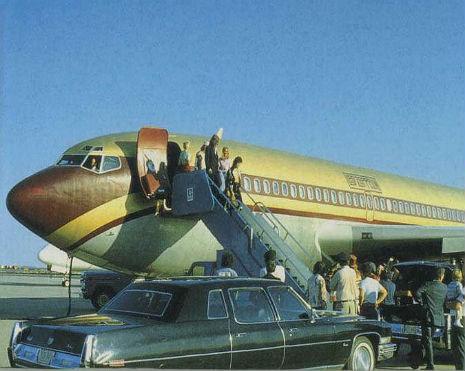 Led Zeppelin private jet8