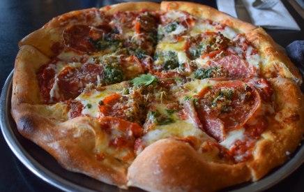 Cafe Pesto Pizza - Hilo, Hawaii