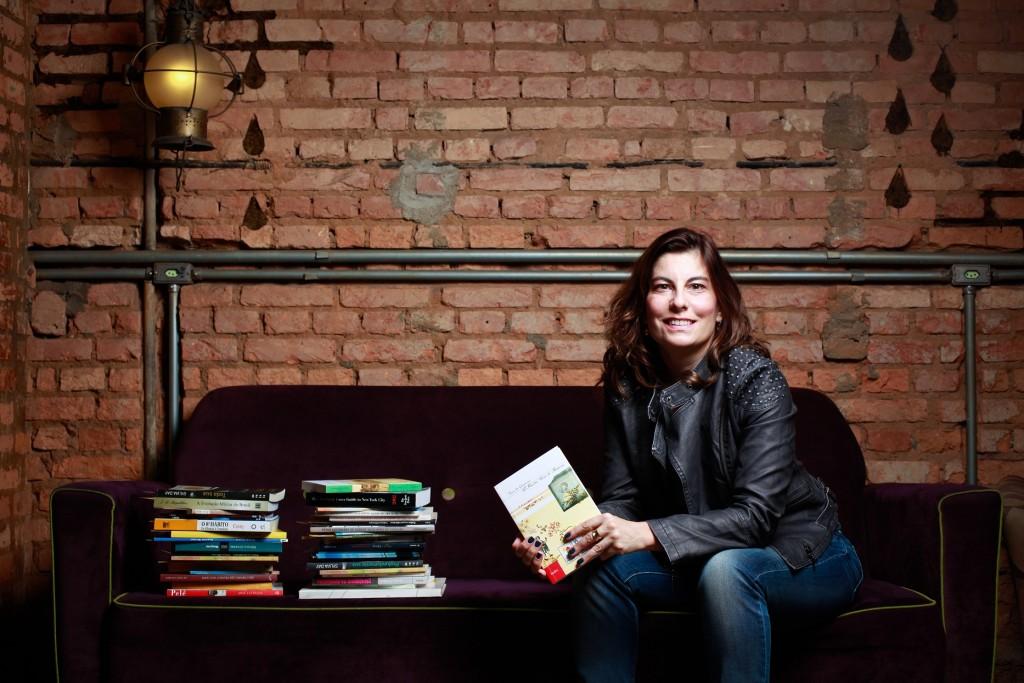 Sao Paulo - SP - Brasil - 26.06.2014 - Helena Castello Branco, coordenadora do Bookcrossing no Brasil. (Foto: Patricia Stavis/Nitro)