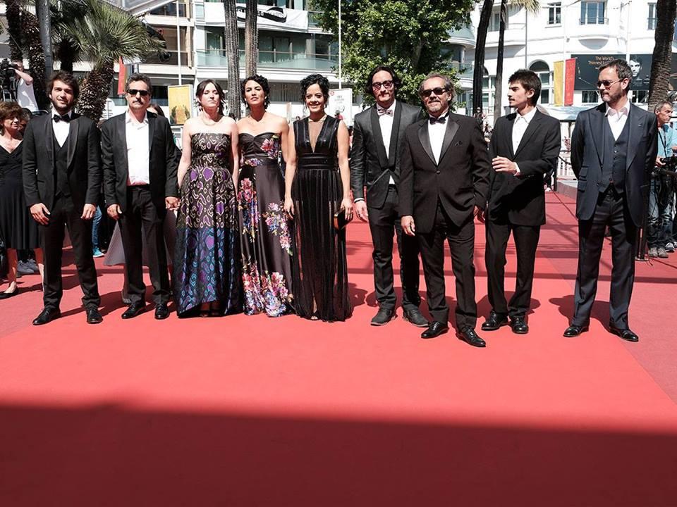 Equipe do filme pernambucano Aquarius no tapete vermelho do Festival de Cannes. Foto © P. Le Segretain / Getty Images