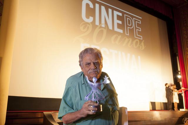 Luiz Rosemberg Filho, o grande diretor e roteirista do Guerra do Paraguay. Foto: Daniela Nader/Divulgação.