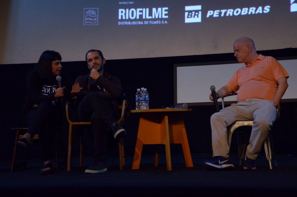 Luiz Villamarim, diretor do filme Redemoinho, durante o Cine Encontro, com mediação do jornalista e crítico Luiz Carlos Merten. Foto: Pedro Ramalho/ Festival do Rio