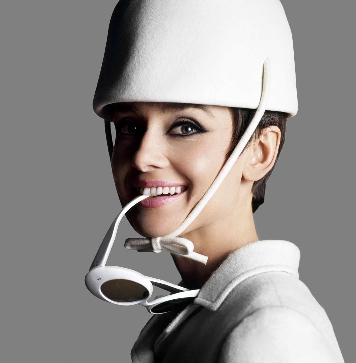 Audrey Hepburn dressed in Givenchy with sunglasses by Oliver Goldsmith by Douglas Kirkland, 1966 ©Iconic Images/Douglas Kirkland