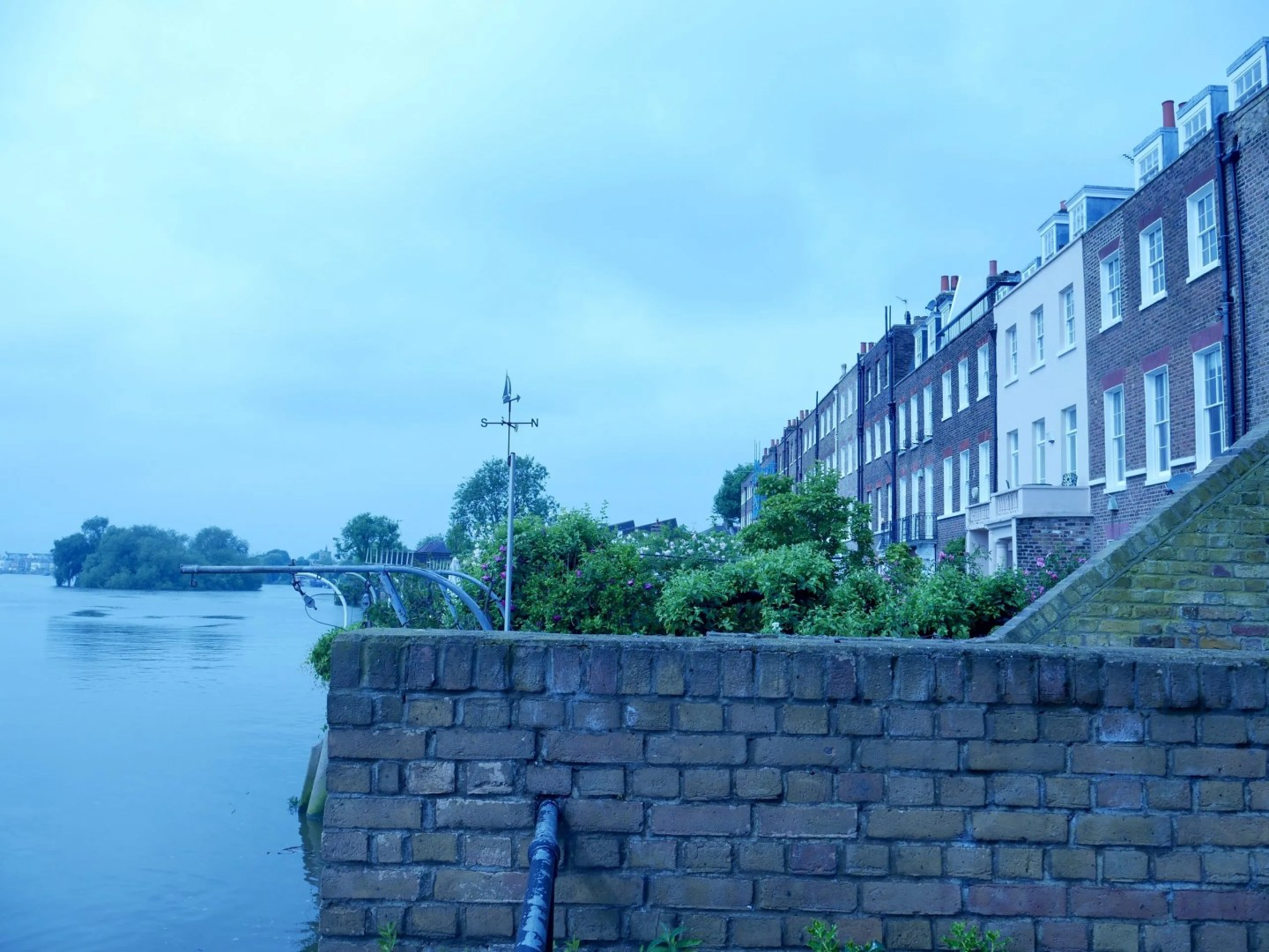 Hammersmith Terrace river view