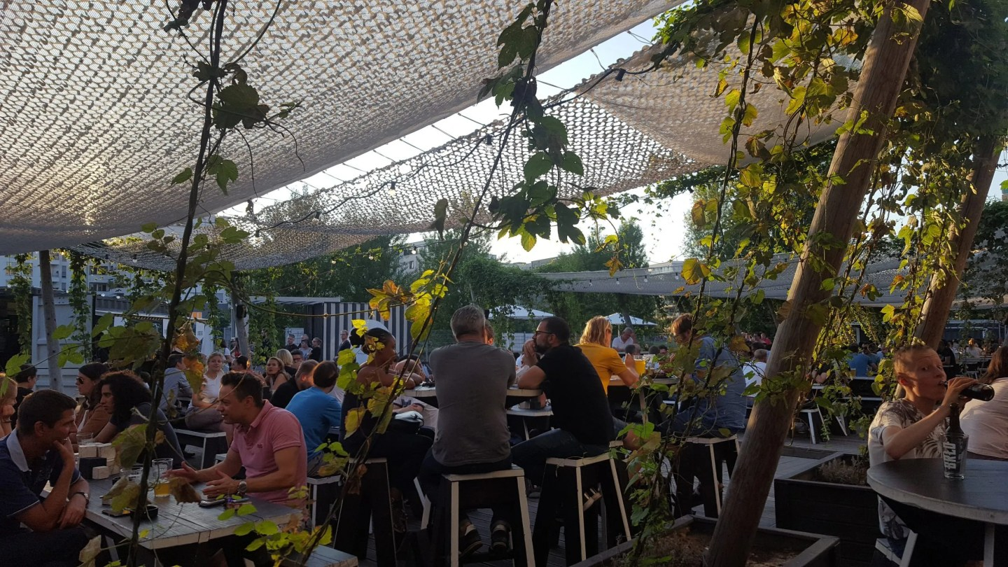 Brlo Brwhouse Berlin beer garden