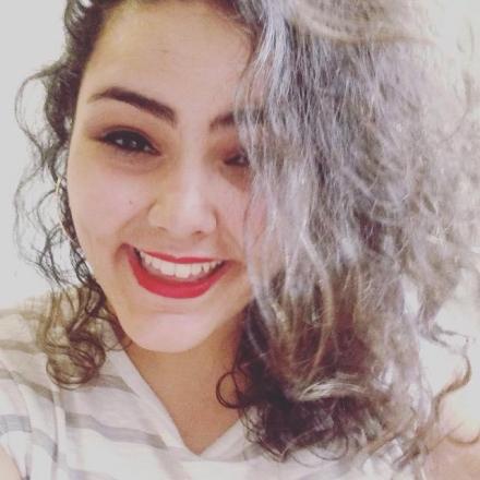 Thaineh Souza : Resenhista, Podcaster e Host