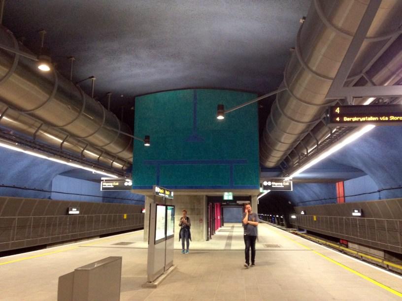 Et freskomaleri på Løren stasjon, av Sverre Wyller, Bent E. Myrvold og Leon Roald. Foto: Vibeke Vesterhagen