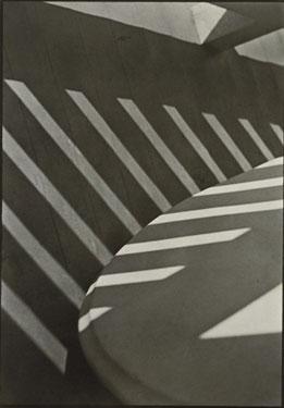 strand-porch-shadows-1915