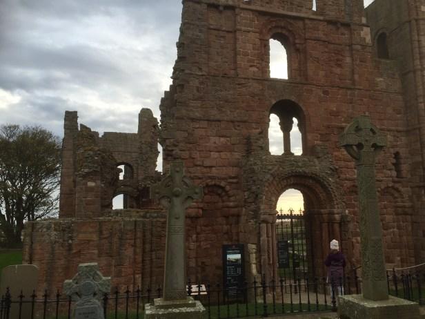 Klosterruinene i Lindisfarne. Foto: Karen Thommesen