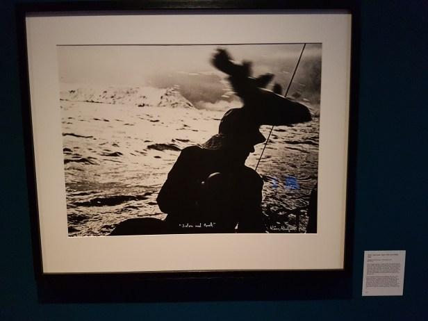 Kåre Kivijärvi, Solon med torsk, 1989. Foto fra utstillingen: Siri Wolland