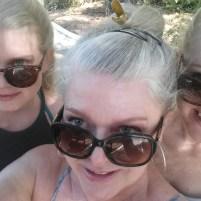 Mor og døtre-selfie. Foto: Siri Wolland