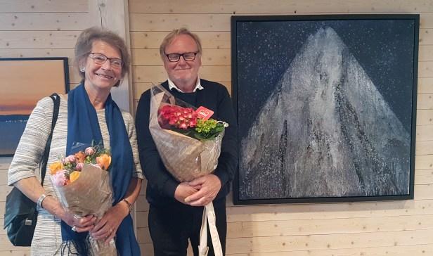 Ørnulf Opdahl sammen med kunsthistoriker Karin Hellandsjø. Foto Siri Wolland.