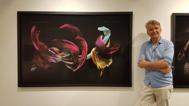 Fotograf og billedkunstner Johs. Bøe. Foto fra utstillingen Villrosens siste sukk: Siri Wolland