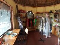 Inne i butikken i Basecamp. Foto: Siri Wolland