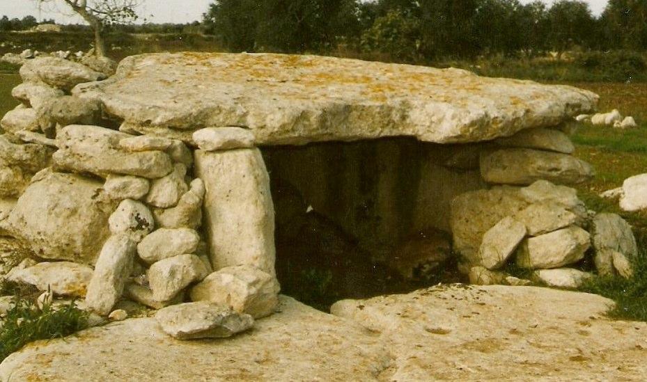 Pietre antiche: dolmen e menhir del Salento (3/3)