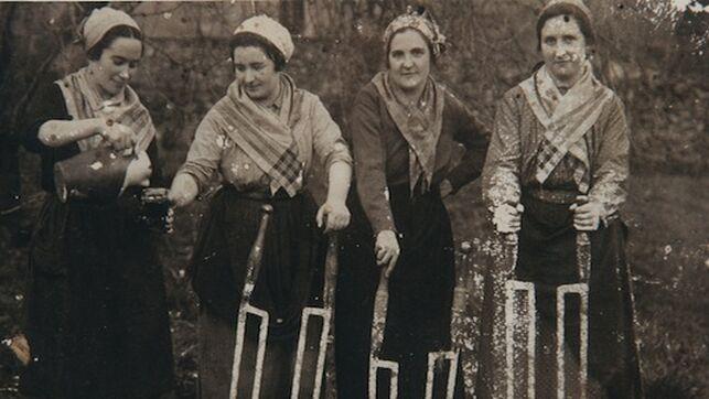 Etexepare Auzolan Mujeres Vascas