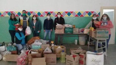 Photo of Los trabajadores de la Secretaría de Extensión juntaron productos para armar 70 bolsones