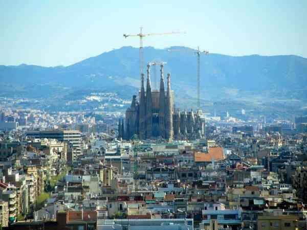 barcelona-2647714_960_720