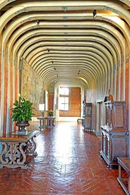 France-001611_-_Second_Floor_Hall_(15291520557)