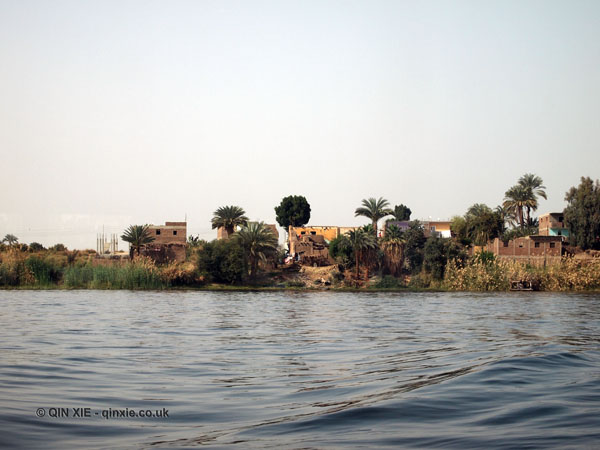 Houses on the bank of the Nile, Cruise on the Nile