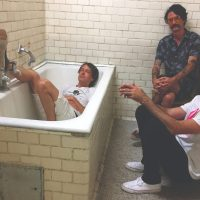 Autogramm share video for 'No Rules'