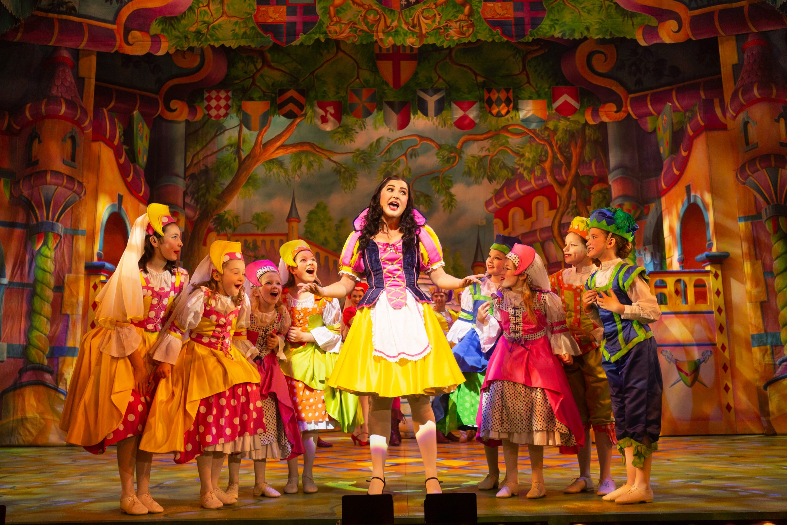 Snow white and seven dwarfs panto review
