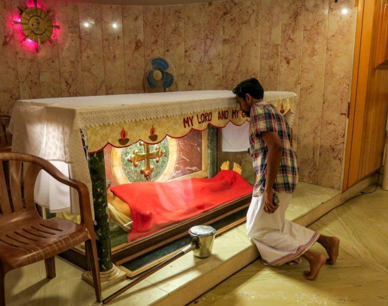 tomb st. Thomas Apostle Chennai Santhome Cathedral India relic altar crypt