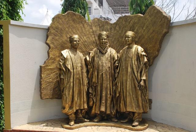 https://i0.wp.com/culturecustodian.com/wp-content/uploads/2014/04/National-Heroes-Statue.jpg?resize=640%2C430