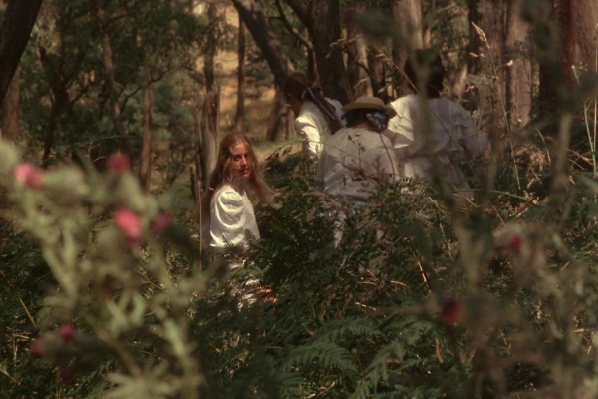 Frillypinkdreams.。.:*☆: Film review: Picnic at Hanging Rock