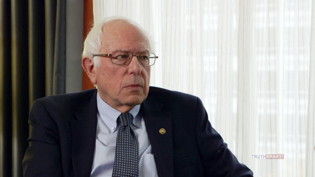 Bernie Sanders in a still from WHO IS AMERICA? (season 1, episode1) - Photo Credit: SHOWTIME