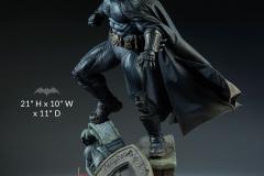 dc-comics-batman-premium-format-figure-sideshow-300542-04