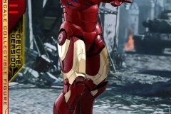 marvel-iron-man-mark-3-quarter-scale-figure-deluxe-version-hot-toys-903412-04