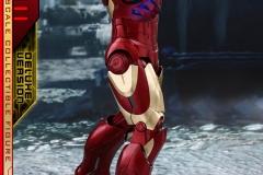 marvel-iron-man-mark-3-quarter-scale-figure-deluxe-version-hot-toys-903412-05