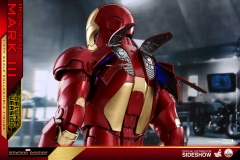marvel-iron-man-mark-3-quarter-scale-figure-deluxe-version-hot-toys-903412-18