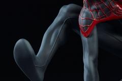 marvel-spider-man-miles-morales-premium-format-figure-sideshow-300554-21