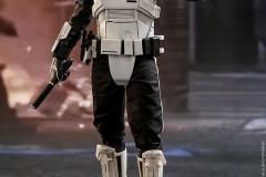 star-wars-solo-patrol-trooper-sixth-scale-figure-hot-toys-903646-02